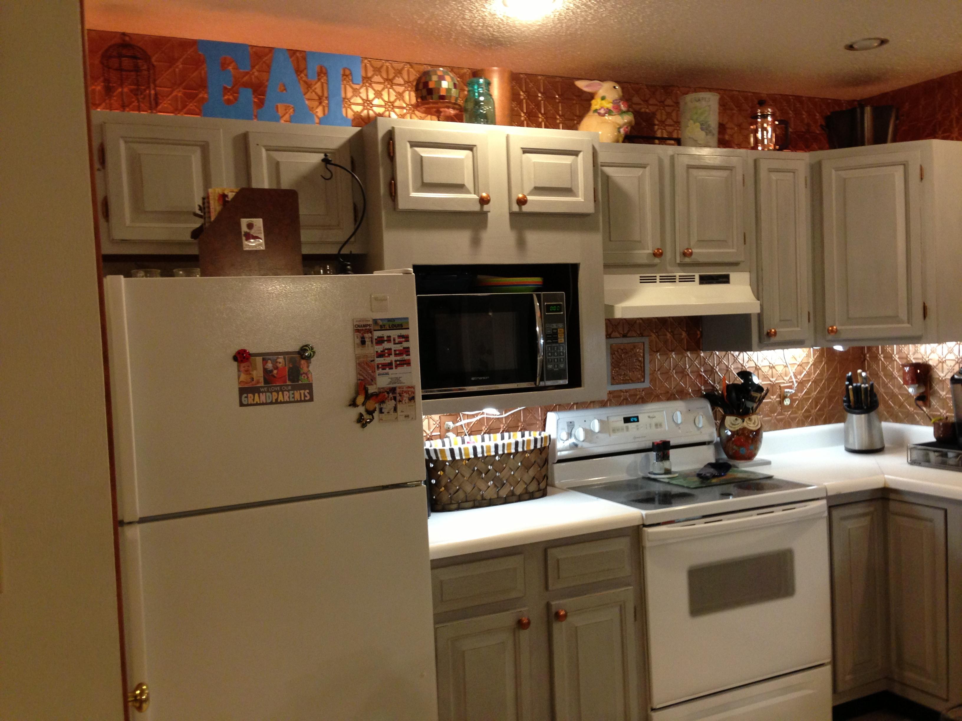 Diy annie sloan chalk paint sharsum 39 s great finds for Annie sloan chalk paint kitchen cabinets