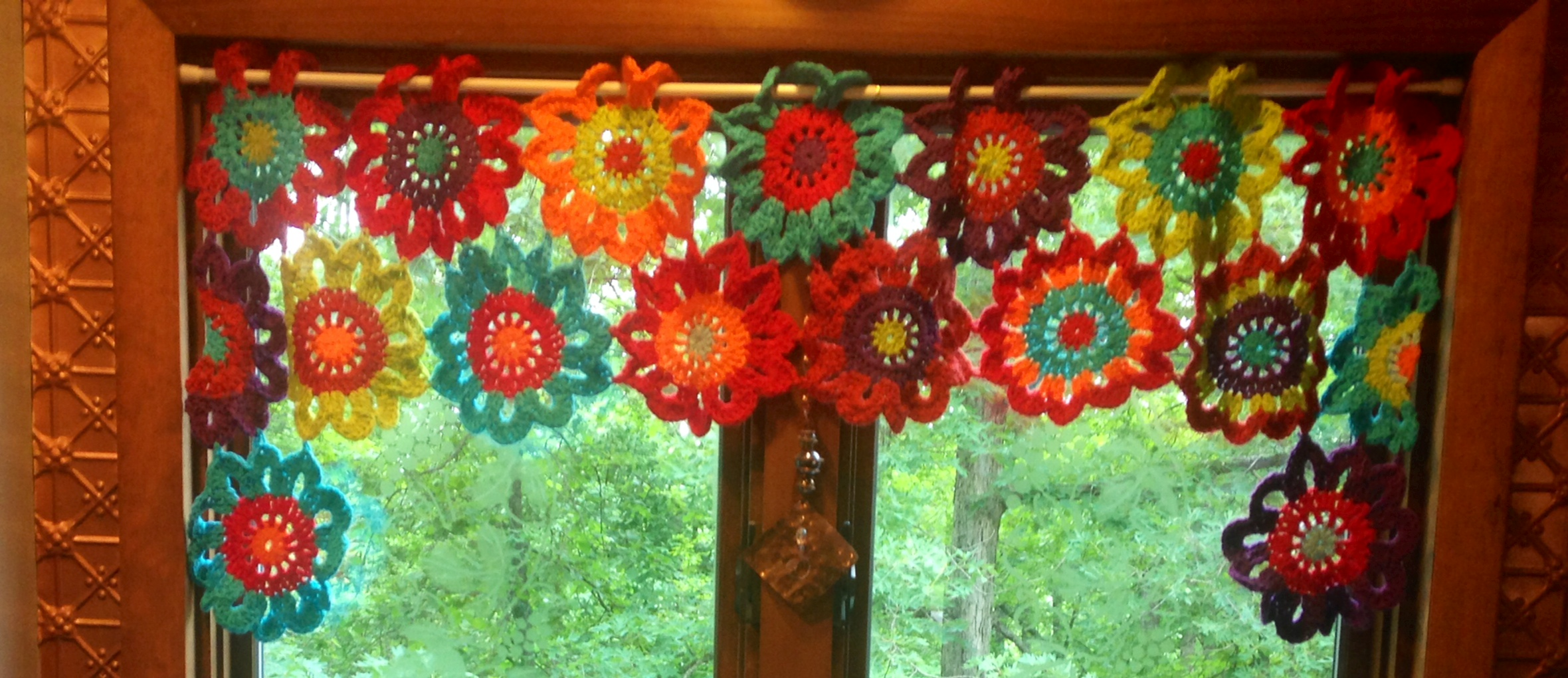 Once Upon A Pink Moon: Flower Power Valance Tutorial | SharSum\'s ...